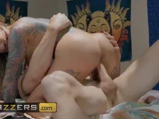 Brazzers - hippie ผู้หญิงสำส่อน karma rx cheats บน เธอ สามี ด้วย johny sins
