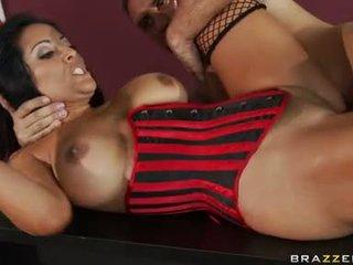 Kiara mia receives pounded lên cô ấy moist màu hồng taco