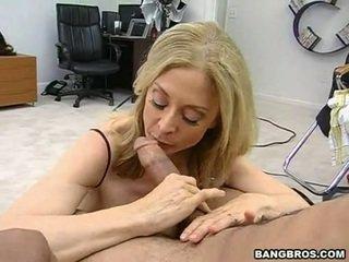 Sensuous momma nina hartley sits onto dela heated muff pie onto um sausage como um dissolute vaqueira