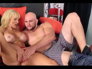 Sally D'Angelo & Cara Reid share a cock
