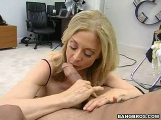Sensuous momma nina hartley sits onto її heated muff pie onto a sausage подібно a dissolute пастушка