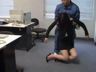 Officelady used da janitor