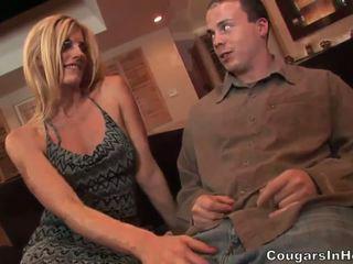 Slutty blondīne hoe gives fantastisks minēts