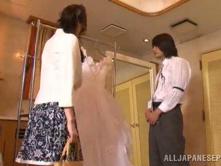 Yui tatsumi на еротичен булка gives а thang чеп смуча към тя fiance