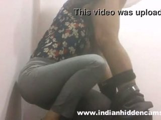 Indisch mieze blowjob im restaurant toilette mms indian-sex