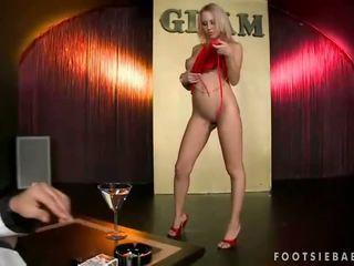 Mandy Dee enjoys foot sex