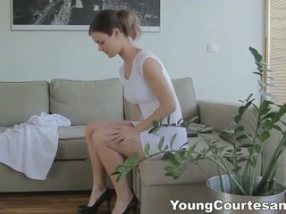 Young Courtesans - First courtesan date feels good
