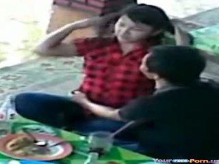Tieners betrapt op spion camera