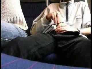 Publiek trein pijpen video-