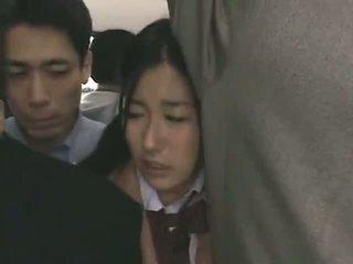 Schoolmeisje betast door stranger in een crowded trein 09