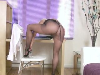 Anilos Cumming In A Office