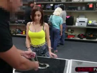 Hot Girl Tries To Buy Chain Necklace But Her Money Was Not E