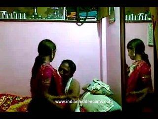 Indisch rajhastani pair im traditional indisch outfits having porno riese
