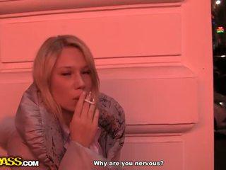 Publiek neuken met een adembenemend blondine video-