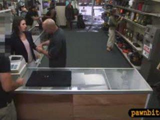 Customers manželka pounded v the tajné pracoviště na a pawnshop