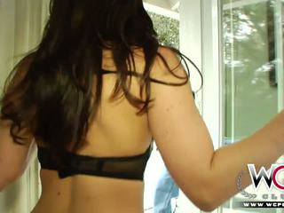 Wcpclub pisikene tüdruk squirting edasi a suur mustanahaline riist