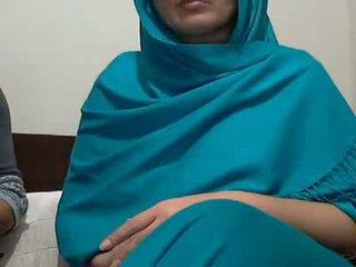 Sexy indický aunty s lover possing ji ňadra & p