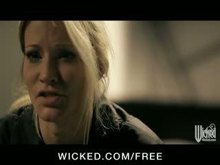 Jessica drake - vollbusig blond schlank milf mieze takes groß schwanz im sie eng muschi