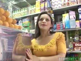 Oyeloca Latina teen Paloma Vargas fucked hardcore
