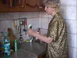 اللسان في مطبخ