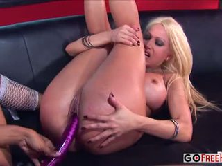 Gina Lynn Marie Luv Sticking her tongue deep into that pussy