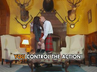 غريب schoolgirls wearing الاسكتلندي تنورة و سخيف إلى