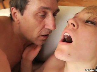 iso mulkku, isot munat, anal sex