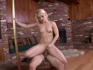 Geil sexy blondine devil echt wants naar neuken hard