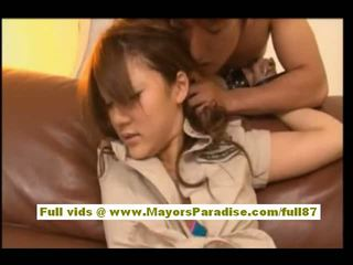 Risa tsukino азіатська в офіціантка уніформа смокче величезний пеніс