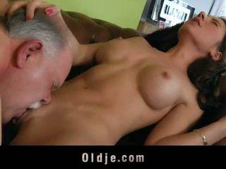 Oud butler serveren seks naar zijn spoiled dame baas