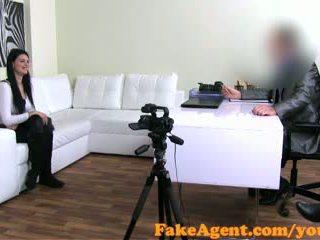 Fakeagent raven haired amatorskie talked w seks i jizzed przez w casting