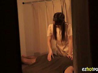 Ezhotporn.com - tenger japanaese slet looks voor seks