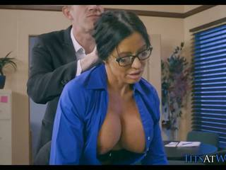 Cougar Cheats on Her Husband at Work, HD Porn 5b