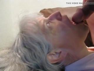 cum in de mond, oma, grannies