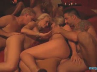 Swinger party orgie met 6 couples