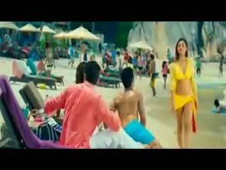 Indisch schattig tiener actrice in bikini