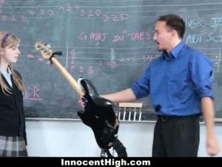 Innocenthigh- söt rödhårig fucks henne läraren <span class=duration>- 12 min</span>