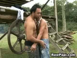 Latin homo Cums While Got Barebacked