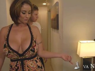 Bigtitted mum eva notty décision amour