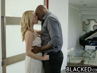 Blacked quente loira gaja cadenca lux pays fora boyfriends debt por a foder bbc