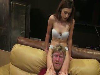 Nikki nākamais visi amerikāņi scissors