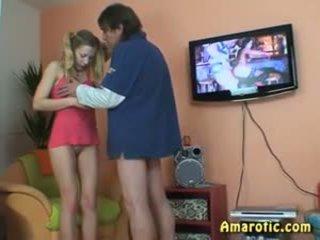 قديم رجل - شاب فتاة: حر في سن المراهقة الاباحية فيديو 13