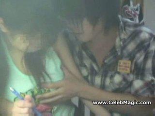 Spycam молодий азіатська школярка