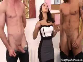 morena, sexo en grupo, big boobs