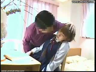 יפני סטודנט דרך הפה סקס מורה