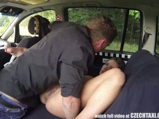 Multiple female orgasmo sa ang upuan sa likuran
