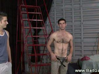 Rovný guy představení jeho horký tělo