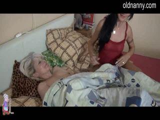 Oma in bed