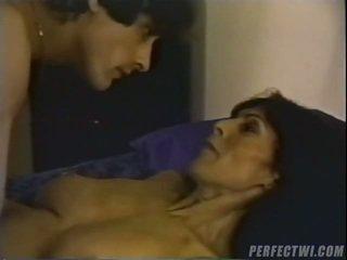 Dvd 상자 proposes 당신 항문의 섹스 포르노를 vid