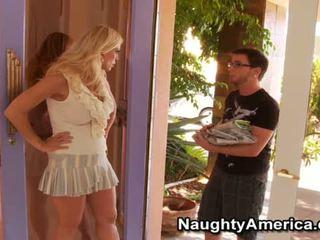Flexible Amber Lynn Has Skewed Onto The Oustanding Dick